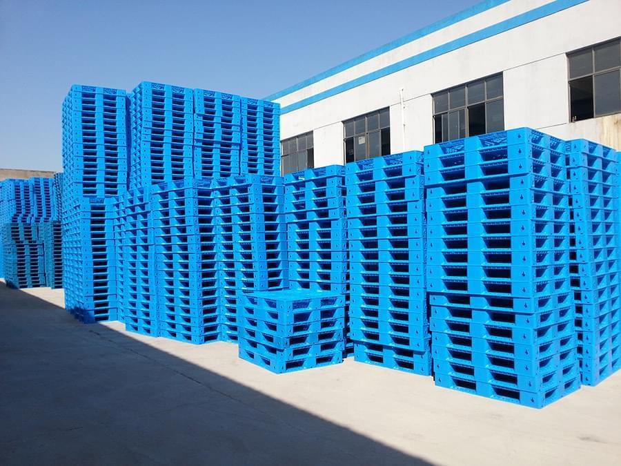 田字网格塑料托盘,一种可以堆码的塑料托盘