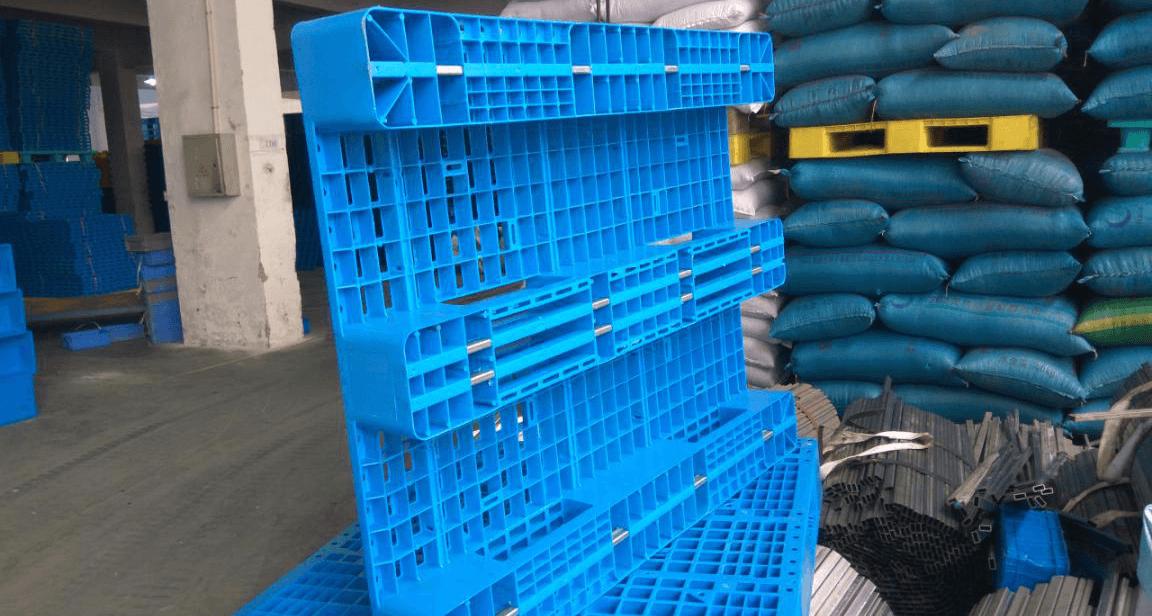 塑料托盘加钢管和不加钢管的区别?